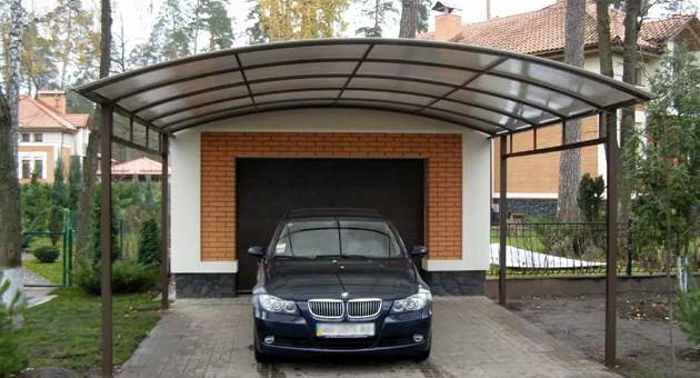 гараж от метална конструкция